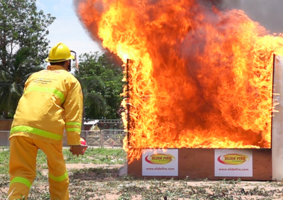 Quality Demonstration of ELIDE FIRE extinguishing ball.
